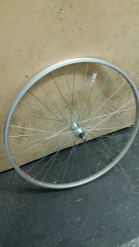 Rear wheel 700c new free fitting