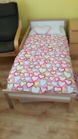 Children's bed with Matress + matress protector + 2 fitted sheets -EXCELLENT CONDITION - Cost £79