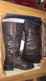 Womens Eddie Bauer boots-brown