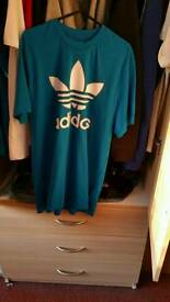 Adidas mens t shirt New size medium