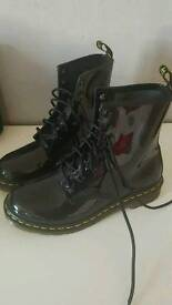 Doc martens - size 6 - very good condition