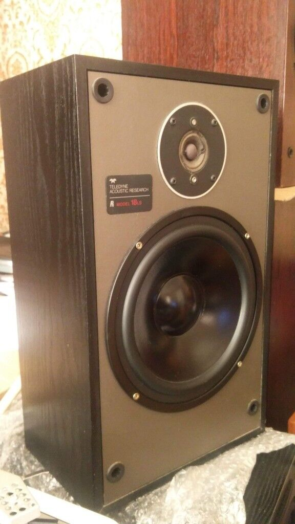 AR 18 LS Pair Bookshelf Speakers In Very Good Condition Grills