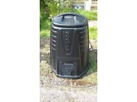 Large plastic compost bin