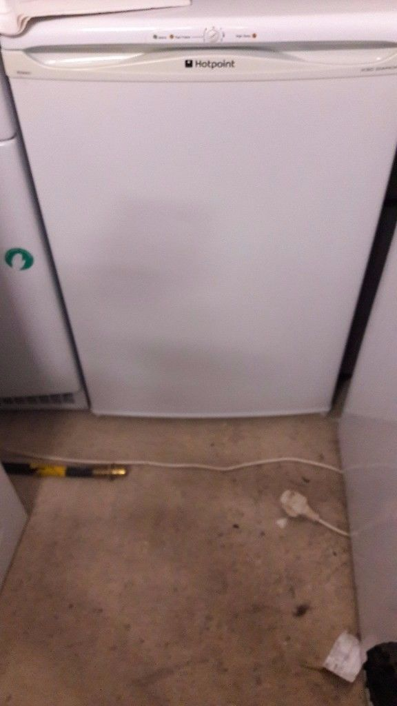 **HOTPOINT**UNDERCOUNTER FREEZER**£60**VERY GOOD CONDITION**HOUNSLOW / HEATHROW**COLLECTION\DELIVERY