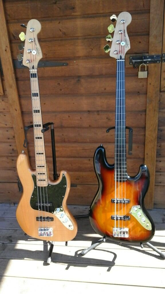 Squire Modified 1970,s Jazz Bass (Natural Finish) Excellent guitar like new.