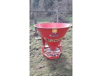 Fleming fertilizer spreader (only used twice)