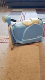 Scoot trunki