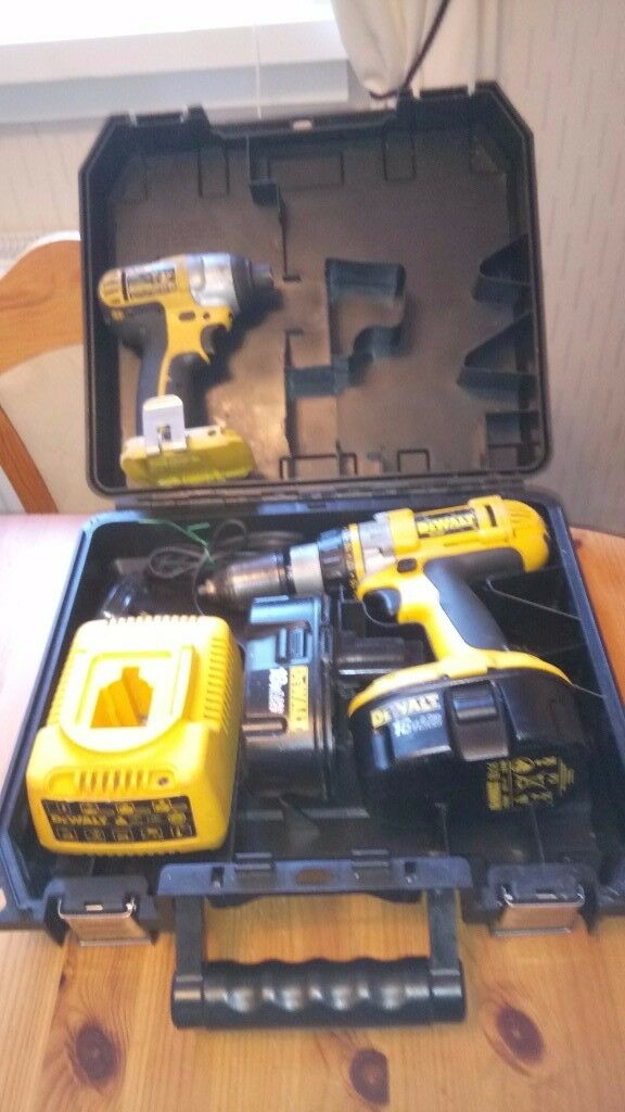 Used Dewalt 18 v cordless tools set, Drill/Impact driver, batts. charger. GWO, see photos & details