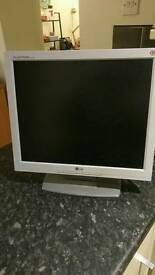 LG Flatron 17 inch VGA Monitor