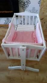 Swining crib