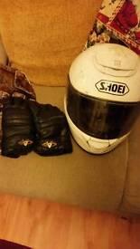 Motorbike helmet shoei large and gloves