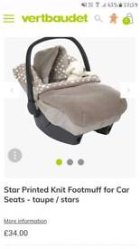 Vertbaud knit cosy toes for car seat