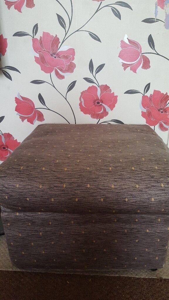 Footstool chair