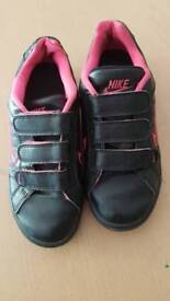 Nike trainers (Girls) Size 4