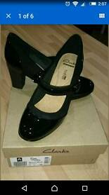 Clarks size 5D BRYNN MARE Black Only been worn round house New in box