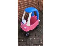 Cosy coupe Pink car