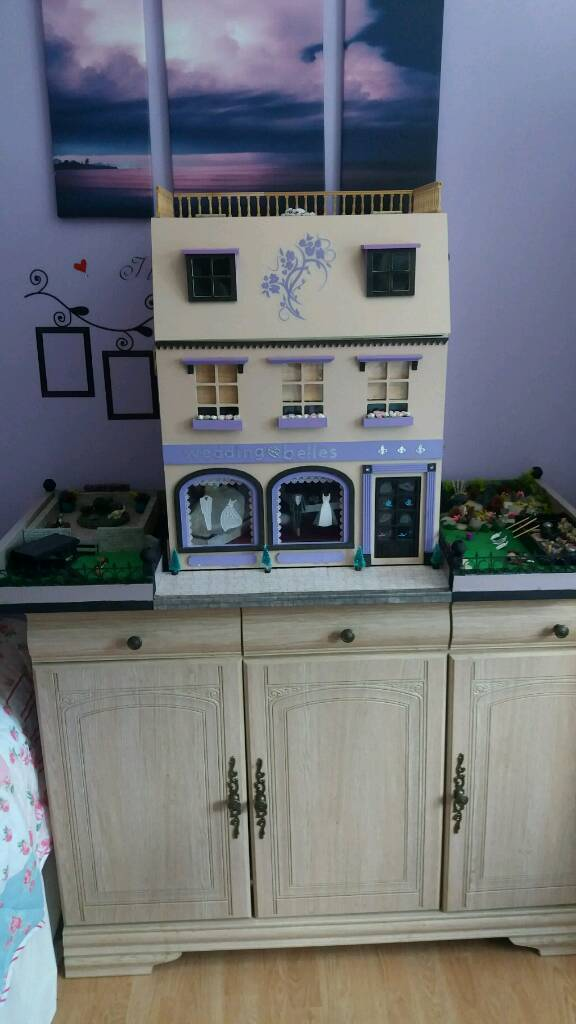 Dolls house and gardens