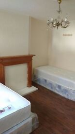 CUTE TWIN ROOM IN LADBROKE GROVE