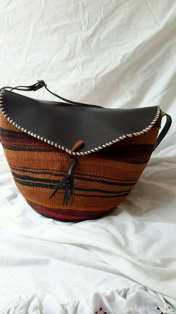 Handmade Handbags Made With Vatural Fibre And Leather