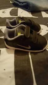 Nike infant size 6