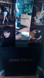 Jimmy choo unit for corner