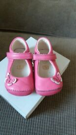 Clarks shoes size 3 1/2 F