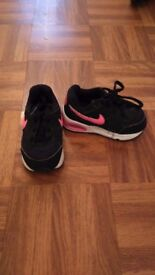 Toddler Nike trainers size 5