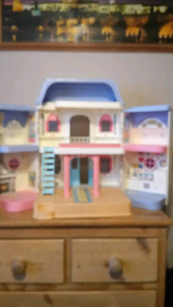 Dolls house and items