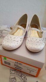 Girls Holy Communion shoes size UK 4
