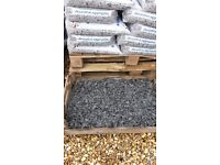10 x 20kg bags of 20mm graphite slate chippings