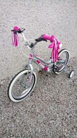 Girls Cuda 16 in bicycle. Aluminium frame. Hardly used. Good condition.