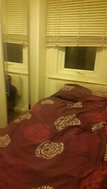 Single room for rent in a quite area of Toothing with easy and quick access to public transport.