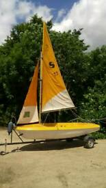 Sailing boat Skipper with Mercury outboard and raod trailer