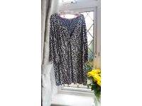 Joules Black and White Tunic Size 20