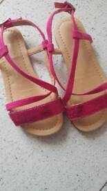 Size 9 girls sandals