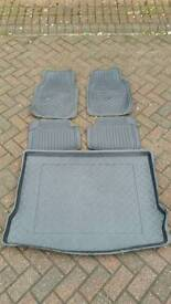 Ford Focus Rubber Mats and Boot Liner