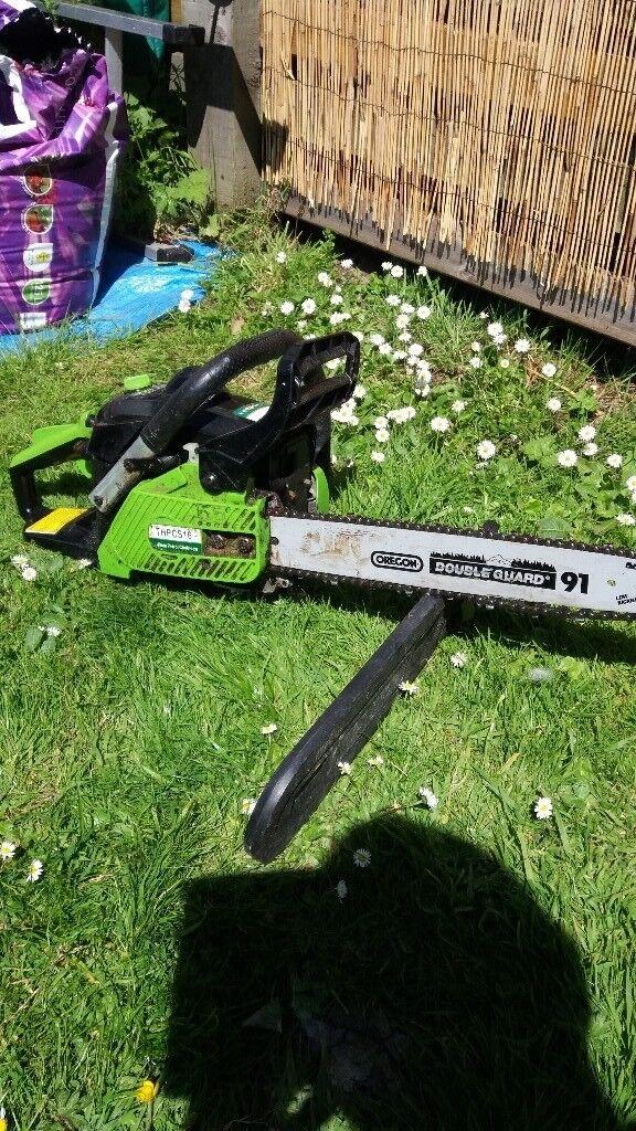 Petrol chainsaw