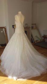 Beautiful Pronovias HALLAND Size 12 Wedding Dress NEVER WORN
