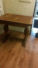 Antique oak bulbous fancy table