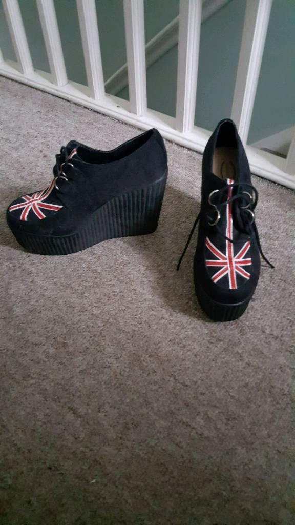 Union Jack wedged shoes