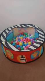 Ball pool and balls