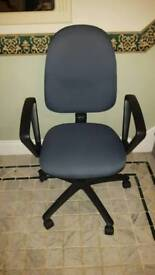 Office desk swivel chairs 4 available