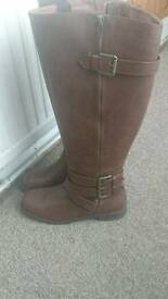 Brand new brown boots size 7