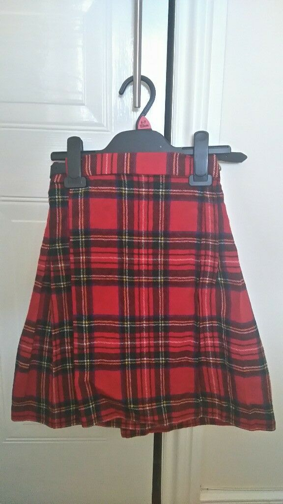 Girls red tartan kilt