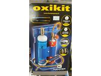 Oxikit Mechanics heating and burning torch