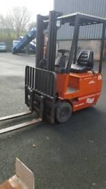 Linde electric forklift truck