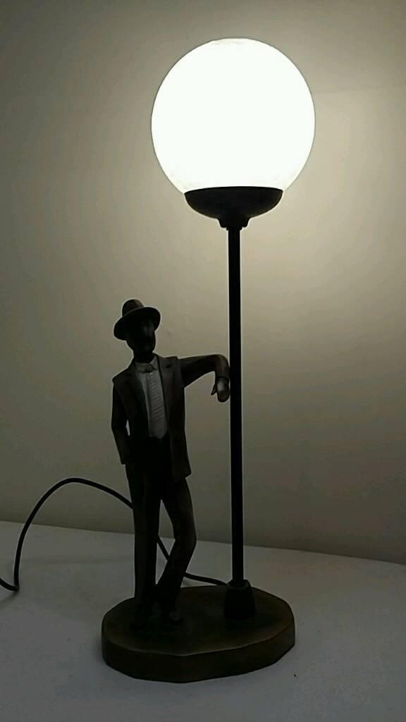 Widdop Bingham bronze (effect) man under street lamp