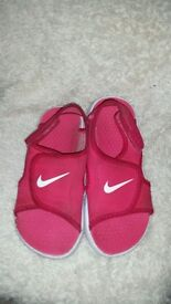 Girls nike sandals size 11.5