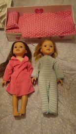 5 Designa Friend Dolls + Bed