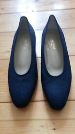 Carvela size 37 shoes. New.